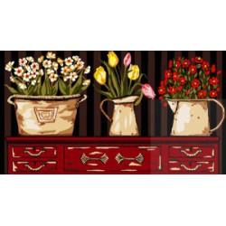 Kwiaty na komodzie